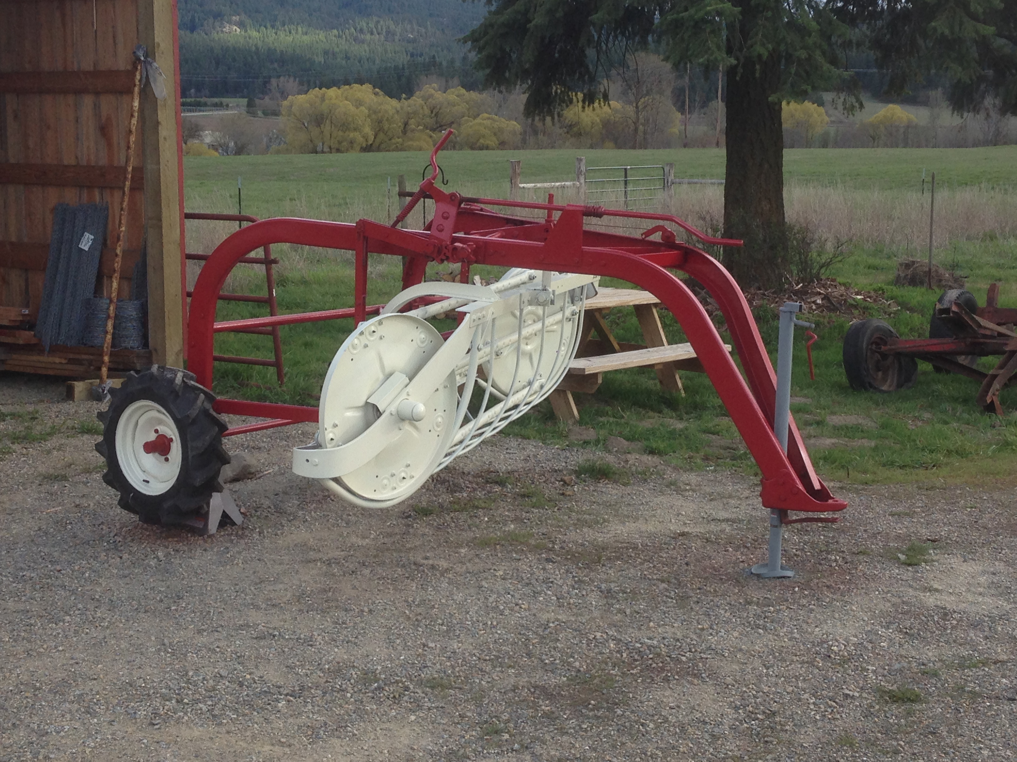 Img on international farmall cub paint